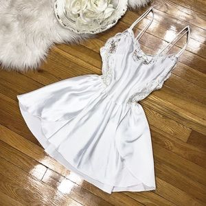 🌹Vtg Christian Dior Silky White Slip Dress🌹